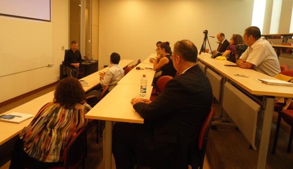 """Mesa de Conversación """"Seguimiento en las ventas con metodología CRM, 15 aspectos claves para el éxito"""""""