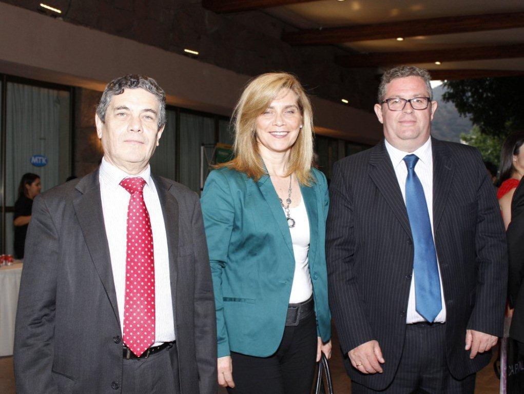 Autoridades del Colegio de Ingenieros participaron en Cena Anual de la AIC