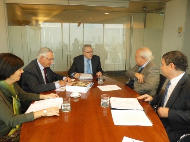 Colegio de Ingenieros se reúne con ministro de energía, Máximo Pacheco.