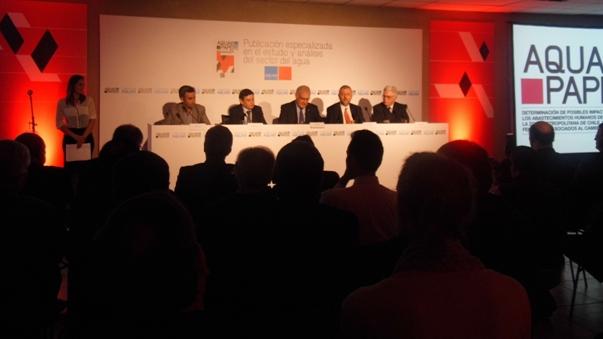 Presidente del Colegio de Ingenieros participó en lanzamiento de la publicación de Aqua Papers