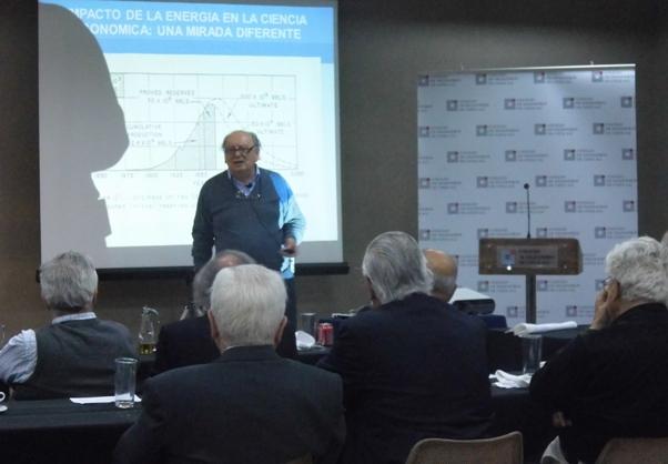 Impacto de la Energía en la Ciencia Económica