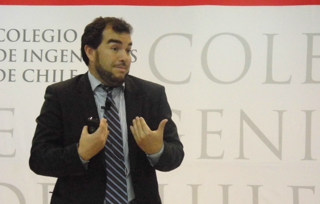 Profesor de la Universidad de Chile, Christian Cancino